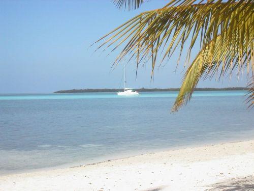 Baraboatzeilen Caraiben Cuba - hagelwitte stranden
