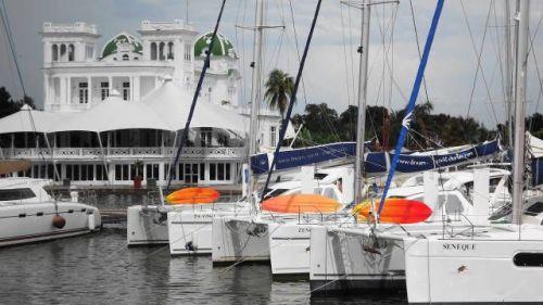 Bareboatzeilen Caraiben Cuba - Schepen in de Marina Marlin Cienfuegos
